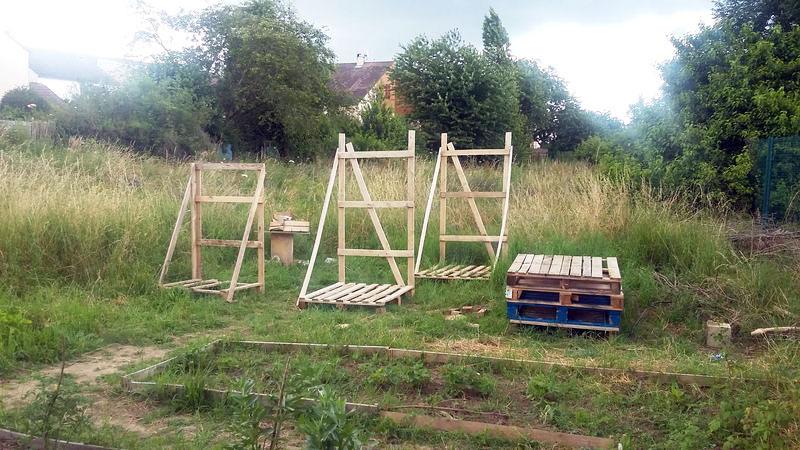 Construction de récupérateurs d'eau au jardin Bontemps au printemps 2016